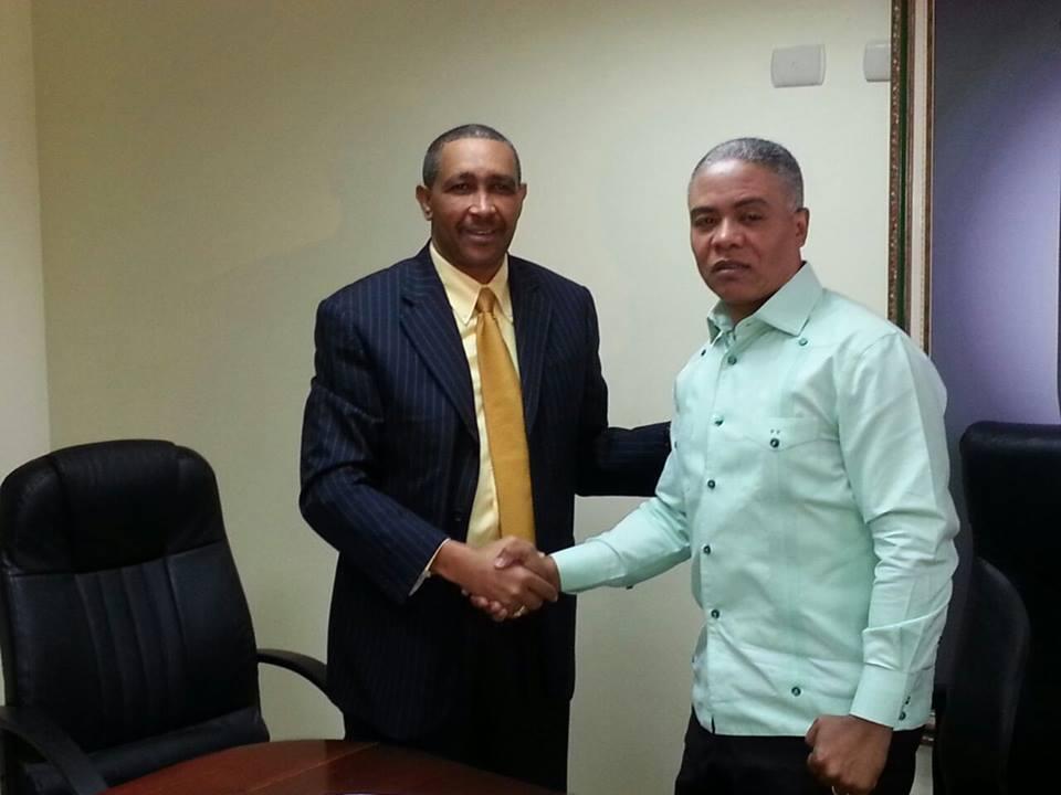 UNEFA fima acuerdo interinstitucional con el ayuntamiento de Villa Mella.
