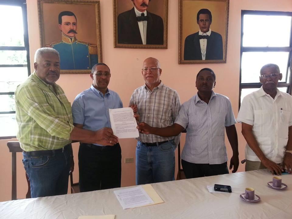 Firma de Acuerdo interinstitucional UNEFA y Ayuntamiento de COMENDADOR.